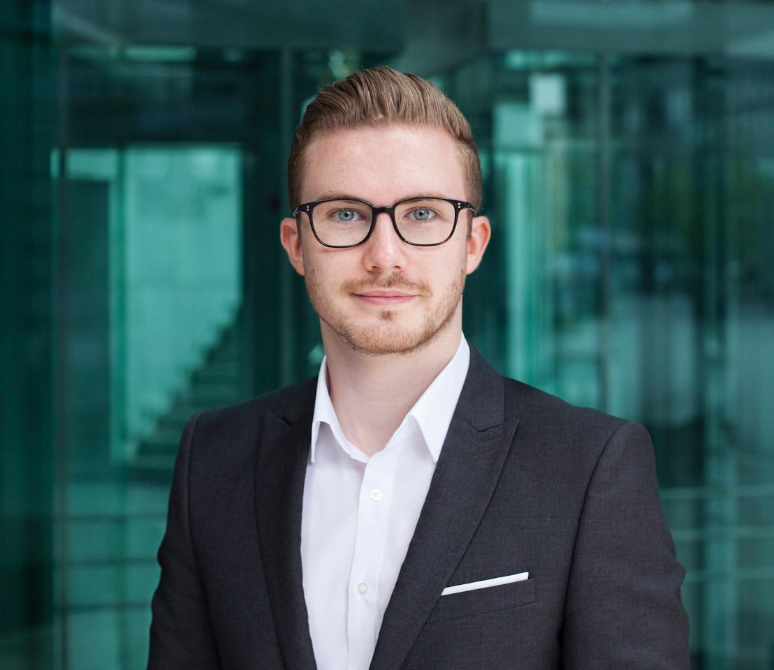 Fotograf Stuttgart Business Portrait für Unternehmen, Editorial und Geschäftsberichte.